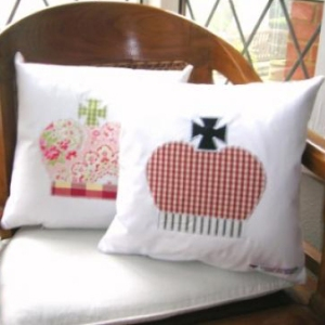crown_cushion_2